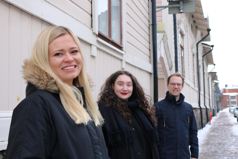 Sinituuli Suominen, Iida-Maija Pirttiniemi ja Sakari Tuomisto ovat aloittaneet SYL:lla työskentelyn vuodenvaihteen ympärillä.